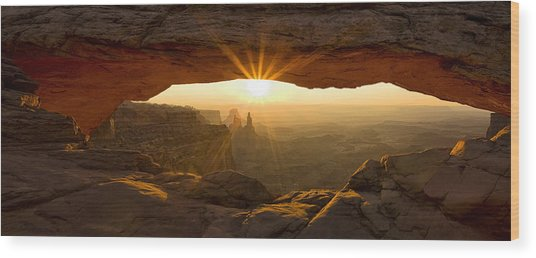First Rays At Mesa Arch Wood Print