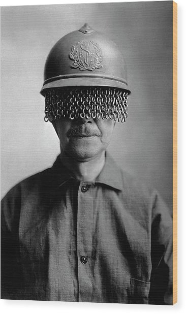 First World War Helmet Eye Screen Wood Print by Us Army/science Photo Library
