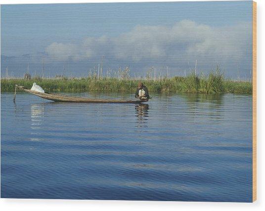 Fisherman On The Inle Lake Wood Print