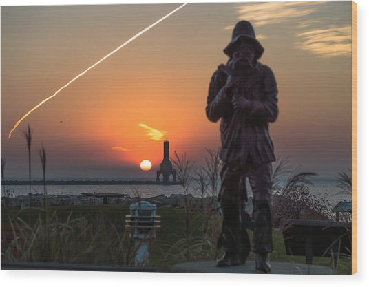 Fisherman Sunrise Wood Print