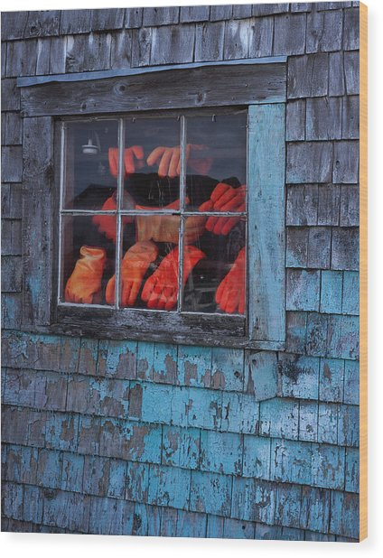Fishermen's Hands Wood Print