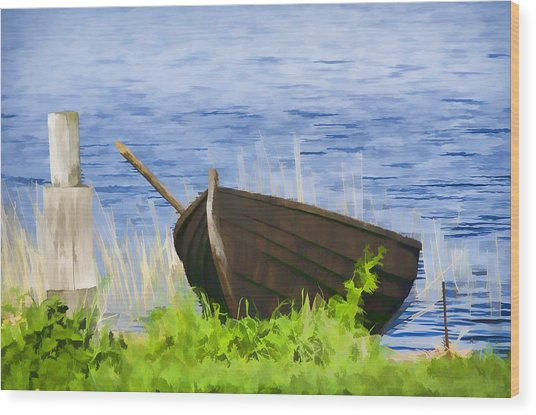 Fishing Boat On The Volga Wood Print by Glen Glancy
