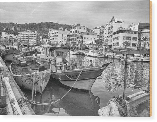 Fishing Boats B W Wood Print
