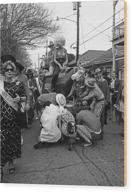 Flat Tire On The Parade Route In New Orleans Wood Print