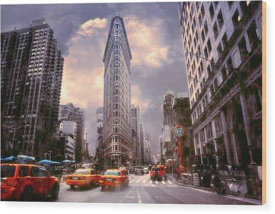 Flatiron Building Wood Print by John Rivera