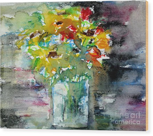 Floral Bouquet In Water Glass Wood Print by Almo M