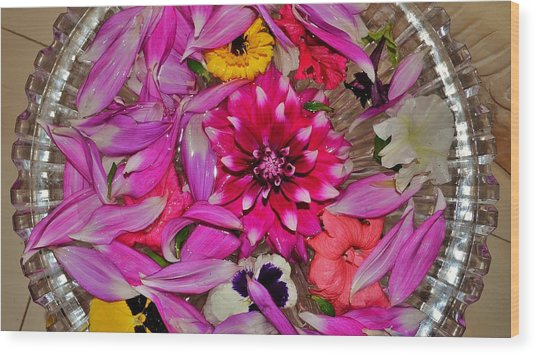 Flower Offerings - Jabalpur India Wood Print
