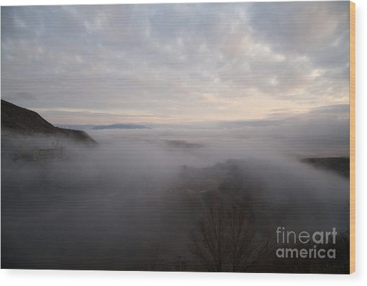 Fog At Sunrise In Jerome Arizona With San Francisco Peaks Of Flagstaff In The Distance Wood Print