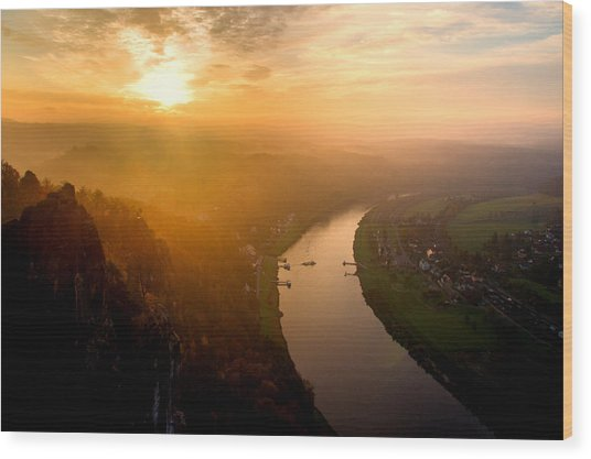 Foggy Sunrise At The Elbe Wood Print