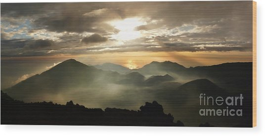 Foggy Sunrise Over Haleakala Crater On Maui Island In Hawaii Wood Print