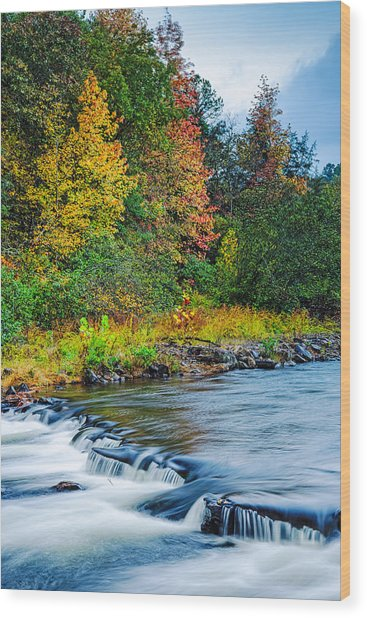Foretelling Of A Storm Beaver's Bend Broken Bow Fall Foliage Wood Print