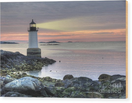 Fort Pickering Lighthouse At Sunrise Wood Print
