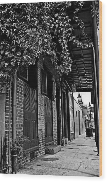French Quarter Sidewalk Wood Print