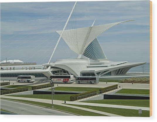 Front View Milwaukee Art Museum Wood Print by Devinder Sangha