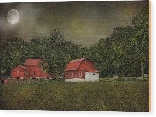 Full Moon At Buffalo Hollow Farm Wood Print