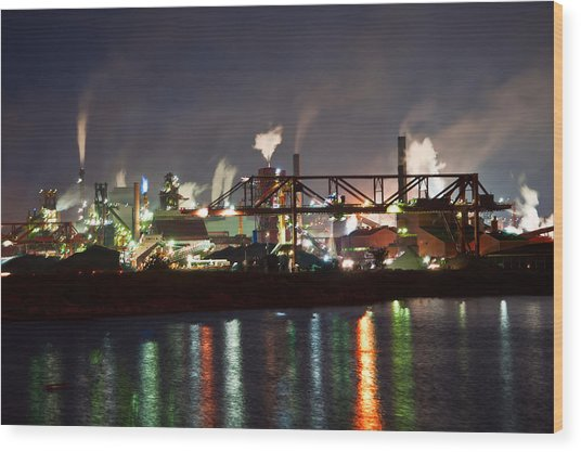 Fumes From Steel Mill In Hamilton Harbour Wood Print