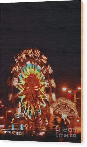 Fur Rondy Ferris Wheel In Anchorage Wood Print