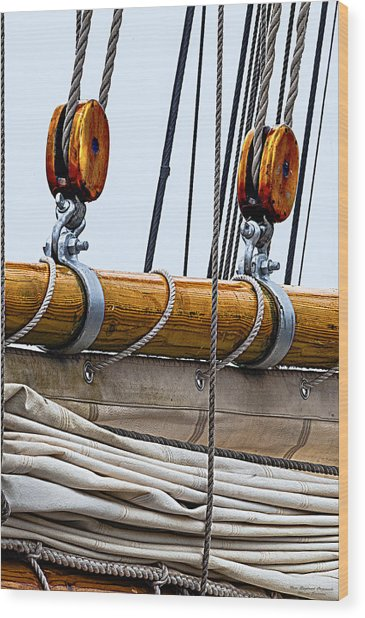 Gaff And Mainsail Wood Print
