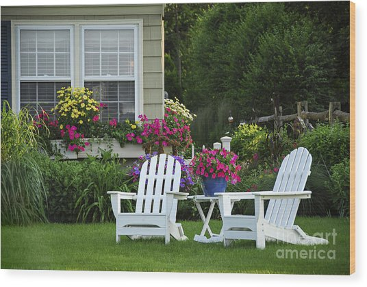 Garden With Lawn Chairs Wood Print