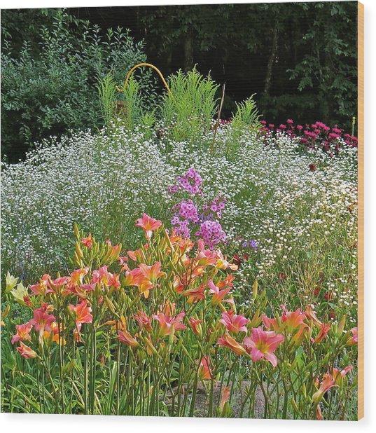 Gardens 101 Wood Print by Patsy Pratt