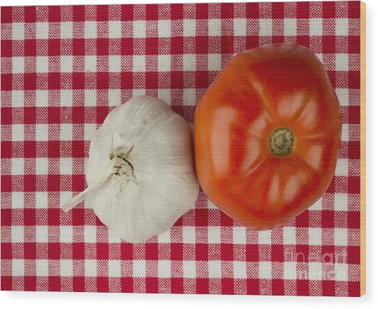 Garlic And Tomato Wood Print by Blink Images
