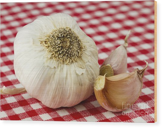 Garlic Wood Print by Blink Images