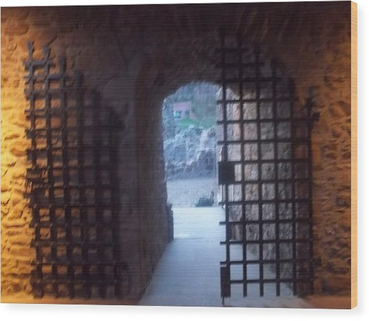 Gateway And Portcullis Wood Print