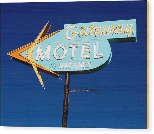 Gateway Motel Wood Print