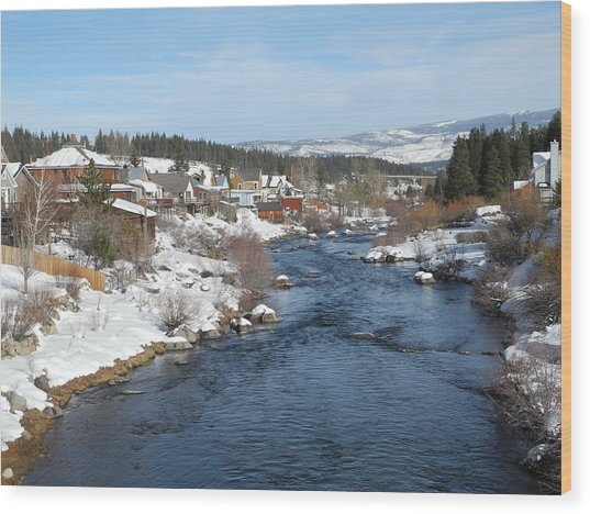 Gazing Over The Truckee River Wood Print