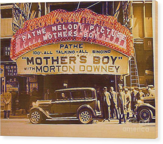 George M. Cohan Theatre In New York City In 1929 Wood Print by Dwight Goss