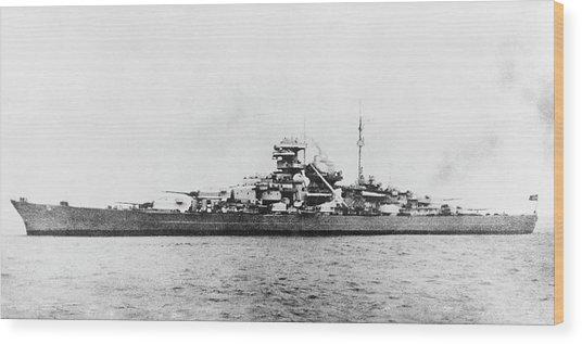 German Battleship Bismarck Wood Print by Us Navy/science Photo Library