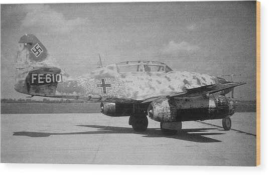 German Me 262 Wwii Jet Fighter Wood Print by Science Photo Library