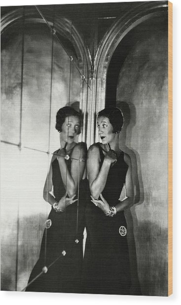 Gertrude Lawrence By A Mirror Wood Print by Cecil Beaton