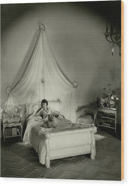Gertrude Lawrence In Bed Wood Print by Cecil Beaton