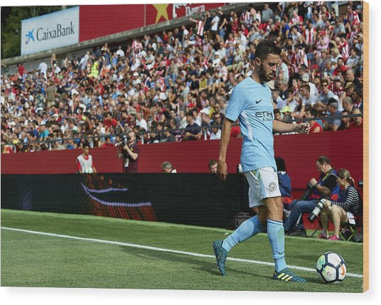 Girona V Manchester City Wood Print by Manuel Queimadelos Alonso
