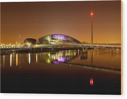 Glasgow Science Centre On A Tofee Coloured Sky Wood Print
