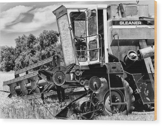 Gleaner F Combine In Black-and-white Wood Print