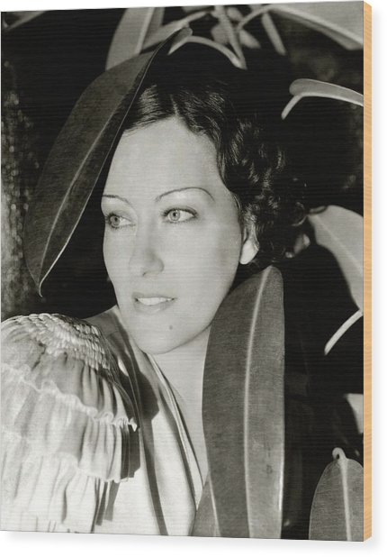 Gloria Swanson In The Film Three Weeks Wood Print by Cecil Beaton