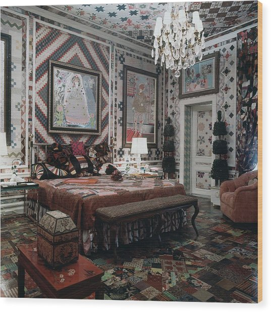 Gloria Vanderbilt's Bedroom Wood Print