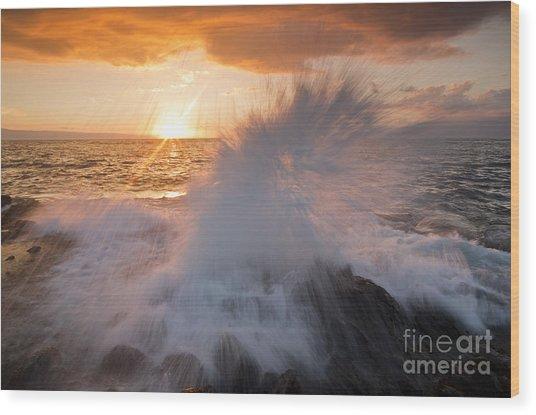 Glowing Sunset Splash Wood Print by Paul Karanik