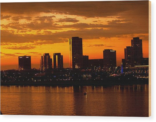 Golden Skys Cloak The Long Beach Skyline Wood Print