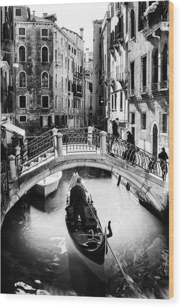 Gondolier Wood Print