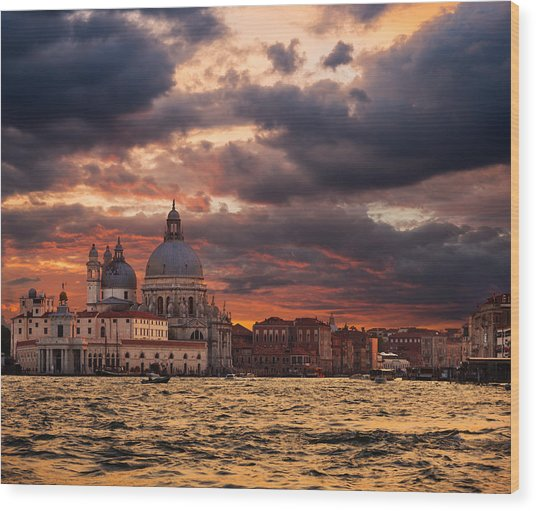 Gorgeous Sunset Over Grand Canal In Venice Wood Print