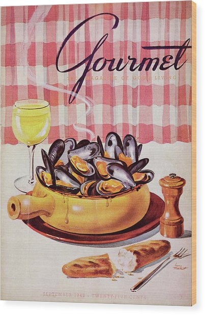 Gourmet Cover Of A Mussel Pot Wood Print