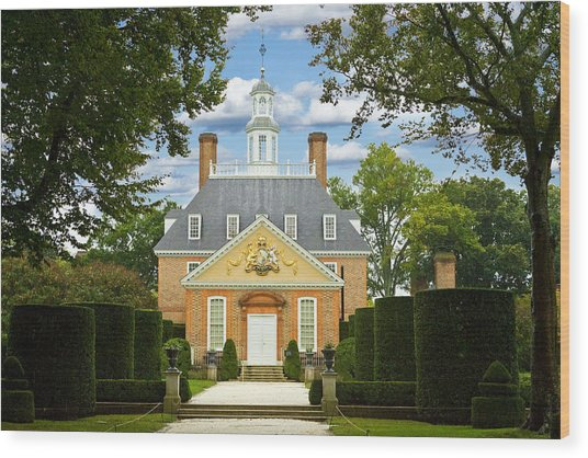 Governors Palace Wood Print