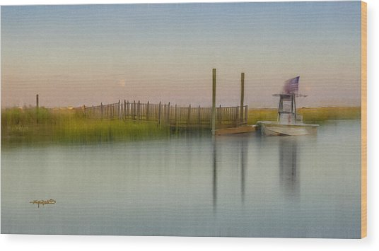 Moonrise Landing Wood Print