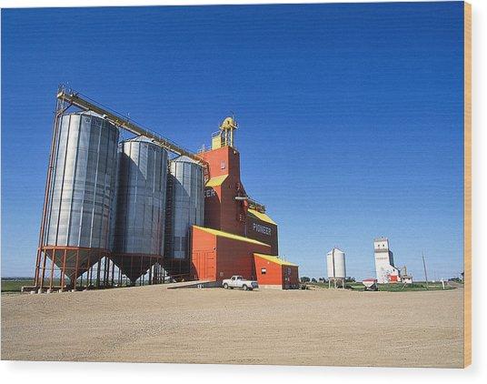 Grain Silos Saskatchewan Wood Print by Buddy Mays