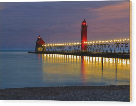 Grand Haven South Pier Lighthouse Wood Print
