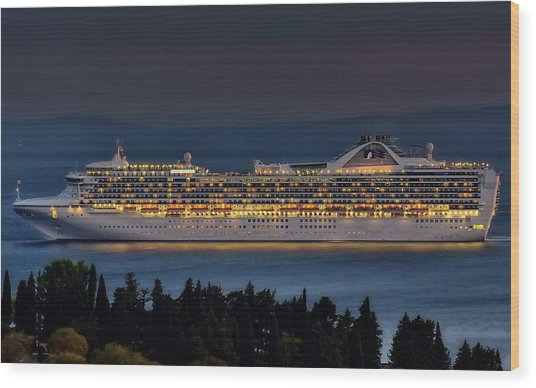 Grand Princess Wood Print by Ships in Split