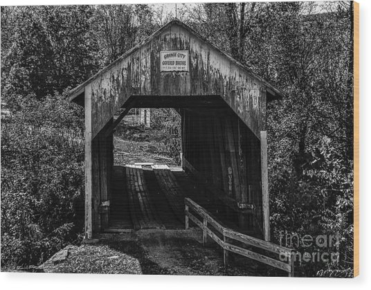 Grange City Covered Bridge - Bw Wood Print